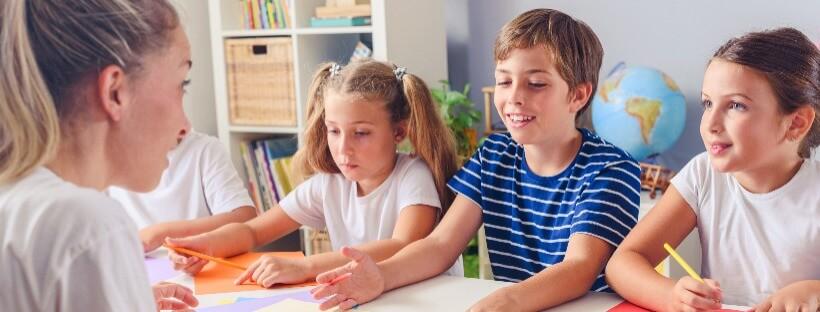 Kiedy jest dobry moment by dziecko zaczęło się uczyć języków obcych